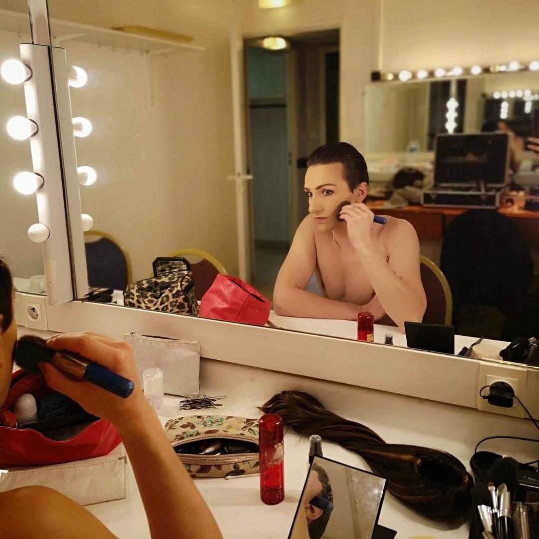 Louis au Make up